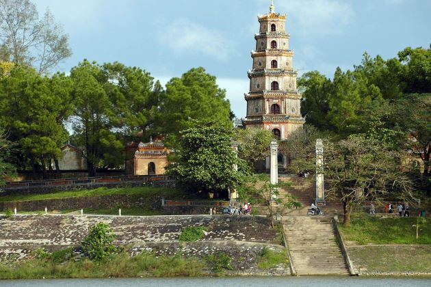 thien mu pagoda is the famous location for film in hue