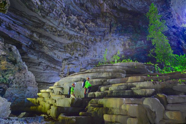 tu lan cave is one of the film locations in the immortal