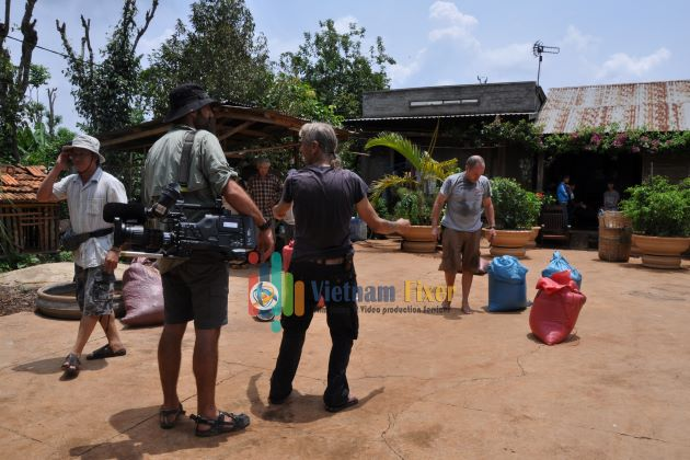 vietnam fixer help you with set building of your film production in vietnam